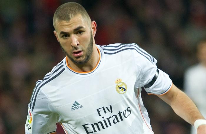 Rafael Benitez, Punya alasan Khusus saat Menarik Keluar Karim Benzema